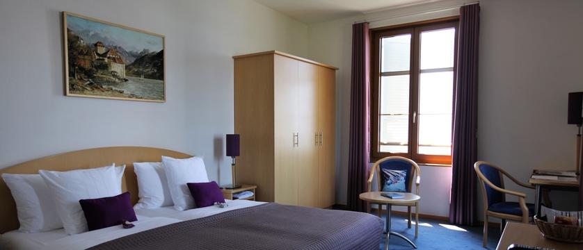 switzerland_montreux_hotelbonrivage_superiorroom.jpg